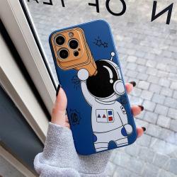 Capa Celular iPhone 13 Mini Astronauta